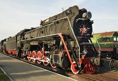 Vieille locomotive dans le musée ferroviaire Brest Belarus Photo stock