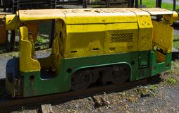 Vieille locomotive pour le charbon de extraction photo stock