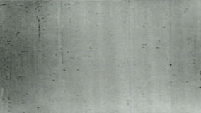 Vieille longueur endommagée tordue de vintage de bande de film avec la poussière et éraflures, 16mm vrai clips vidéos