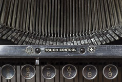 Vieille machine à écrire, plan rapproché de clé Photos stock