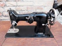 Vieille machine à coudre Photo stock