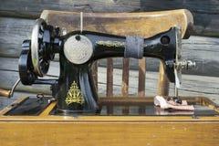 Vieille machine à coudre Image libre de droits