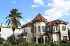 Vieille maison abandonnée à La Havane Image libre de droits