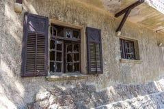 Vieille maison abandonnée photographie stock libre de droits