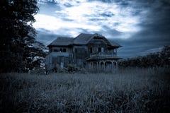 Vieille maison abandonnée image stock