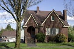 Vieille maison américaine de brique photos libres de droits