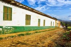 Vieille maison coloniale colorée dans Barichara, Colombie photo stock