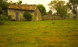 Vieille maison déformée Photo stock