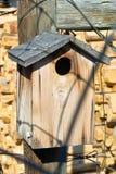 Vieille maison d'oiseau Photo libre de droits
