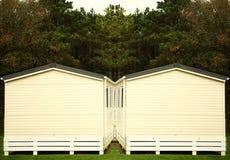 Vieille maison dans le jardin Photo libre de droits