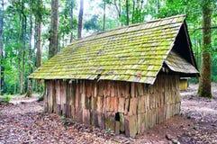 Vieille maison dans les avants Image libre de droits