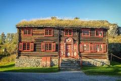 Vieille maison de bois de construction Image libre de droits
