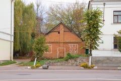 Vieille maison de brique rouge à vendre Images libres de droits