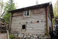 Vieille maison de campagne en Suède Photographie stock libre de droits