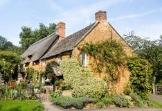 Vieille maison de pierre de cotswold dans Ilmington Images libres de droits