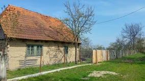 Vieille maison de village de Bata photos stock