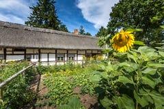 Vieille maison en bois dans Kluki, Pologne Photos libres de droits