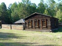 Vieille maison en bois - izba Photo libre de droits