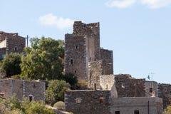 Vieille maison en pierre de tour sur Mani, Grèce image stock