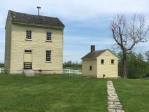 Vieille maison jaune Photos libres de droits