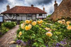 Vieille maison médiévale dans la ville de bataille, Angleterre photo libre de droits