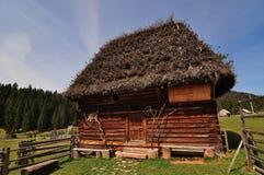 Vieille maison traditionnelle de la Transylvanie Photos stock