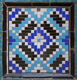 Vieille mosaïque orientale sur le mur, l'Ouzbékistan Photographie stock