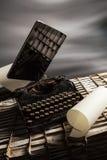 Vieille nouvelle machine à écrire d'e Images stock