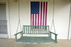 Vieille oscillation sur le porche Photos libres de droits