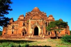 Vieille pagoda et ciel bleu Photo stock