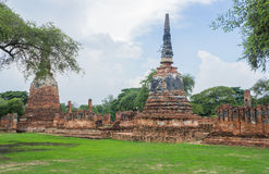 Vieille pagoda Wat Mahathat Ayutthaya photographie stock libre de droits