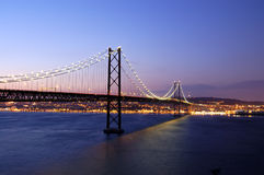 Vieille passerelle de suspension, Lisbonne Photos stock
