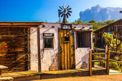 Vieille petite prison occidentale dans le désert de l'Arizona Image libre de droits
