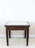 Vieille petite table Photo libre de droits