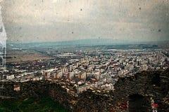 Vieille photo avec la vue aérienne de la ville Deva, Roumanie Images libres de droits