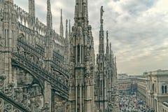 Vieille photo avec une part de Milan Cathedral célèbre Image stock