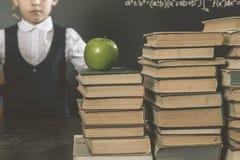 Vieille photo de nouveau à école, septembre Votre fille d'école Photos libres de droits