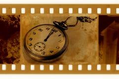 Vieille photo de trame avec l'horloge de cru Photographie stock
