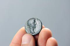 Vieille pièce de monnaie romaine Image libre de droits