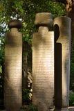 Vieille pierre tombale islamique dans un cimetière Photo stock