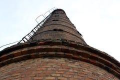 Vieille pipe de brique photo stock