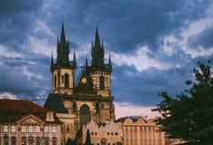 Vieille place du marché à Prague le soir Photographie stock libre de droits