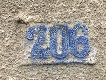 Vieille plaque de rue avec le numéro 026 Photos stock
