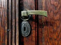 Vieille poignée de porte en laiton Photographie stock libre de droits