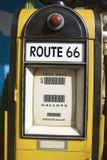 Vieille pompe à gaz Photographie stock libre de droits