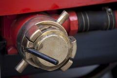 Vieille pompe à incendie de cru Image stock