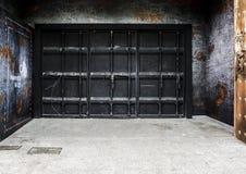 Vieille porte d'entrepôt en métal pour le fond Photo stock