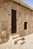 Vieille porte dans le château de port Images libres de droits