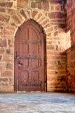 Vieille porte dans une maison de style espagnol de château Photos libres de droits