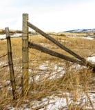 Vieille porte de barbelé à un ranch près d'automne de Lumbreck Images libres de droits